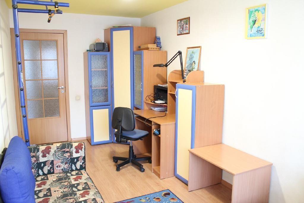 Продажа 2-комнатной квартиры, Киров, Дерендяева ул,  112