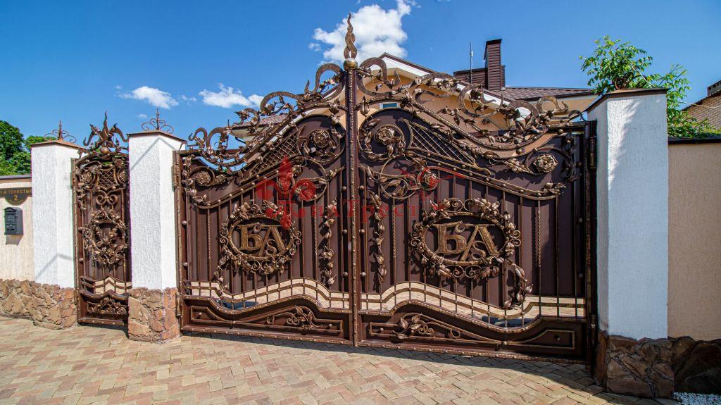 Продажа дома, 324м <sup>2</sup>, 9 сот., Белгород, Тенистый 1-й пер
