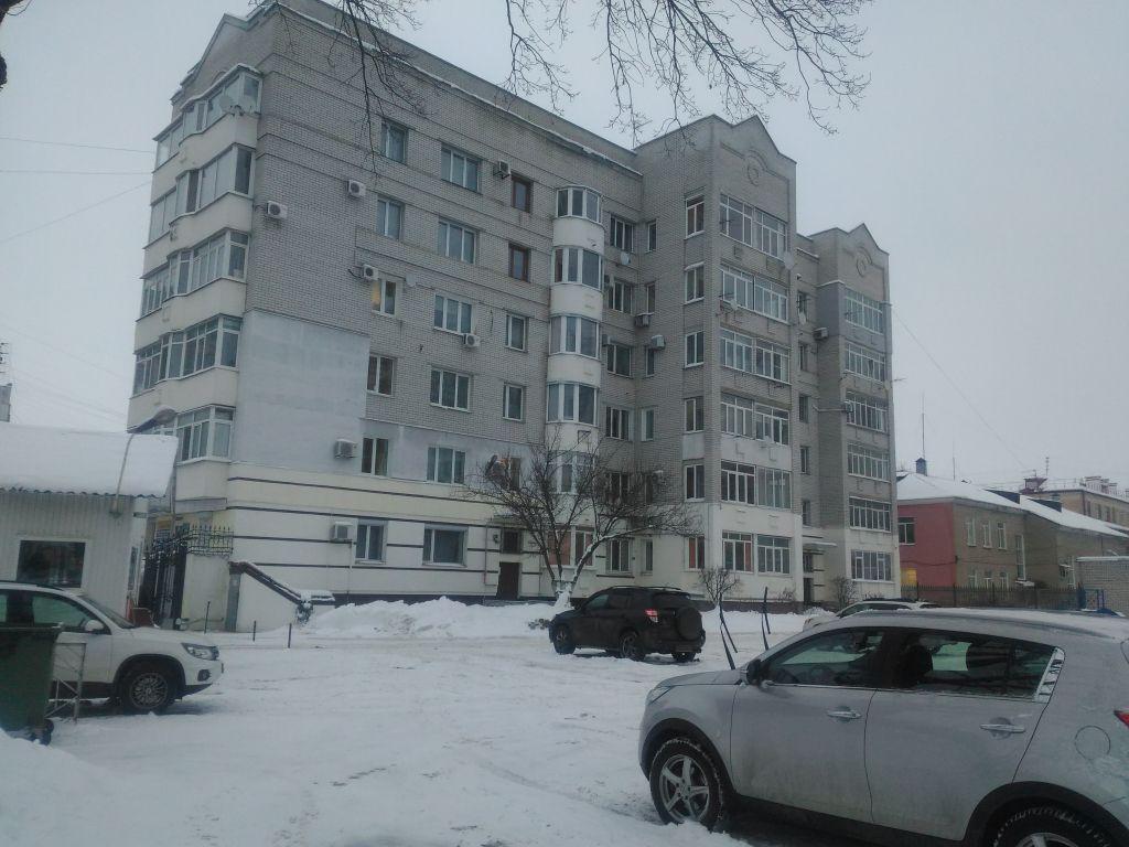 Продажа 3-комнатной квартиры, Брянск, Комсомольская ул,  17