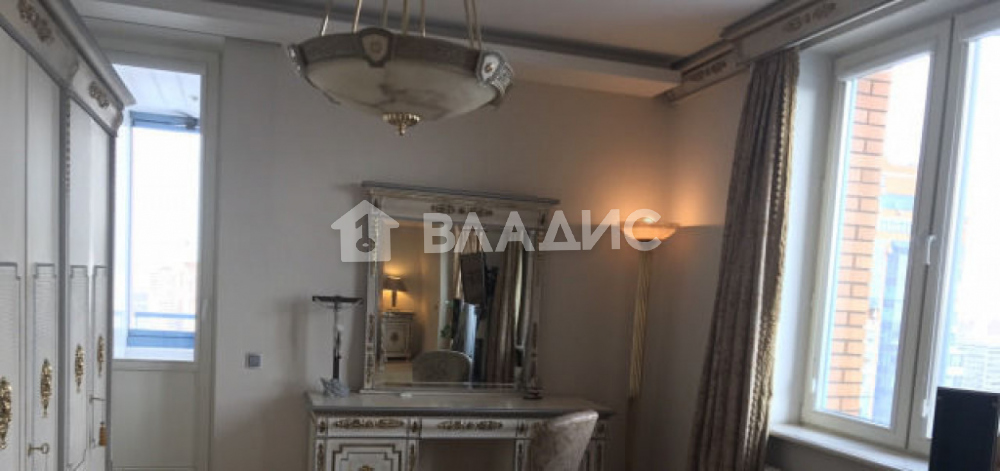 Аренда 4-комнатной квартиры, Москва, Ленинский пр-кт,  128к1