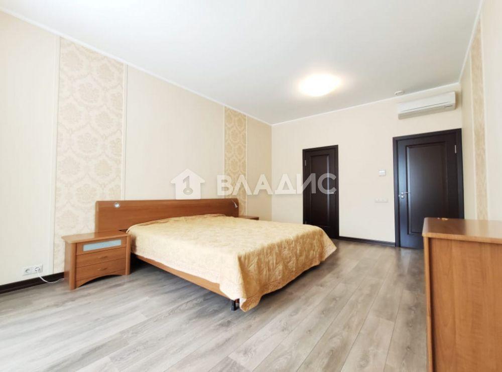 Аренда 3-комнатной квартиры, Москва, Озерковская наб,  26