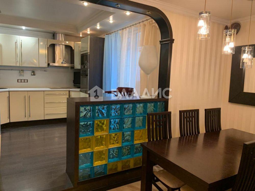 Продажа 4-комнатной квартиры, Москва, Богданова ул,  42
